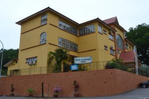 Hotel Sri Impian JA 8286 Ground Floor Bandar Baru Jasin 3 77000 Melaka NoTel 606 529 6666 NoFax 5296679 Email Hotelsriimpianyahoo